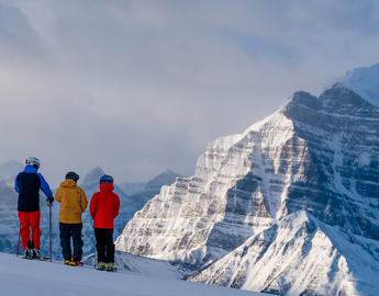 Ski and snowboard in Lake Louise